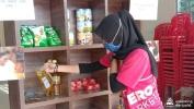voluntarios-en-malasia-suministran-alimentos