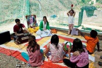 Taller de manualidades para ni os y taller de bhajans el - Talleres manualidades para adultos ...